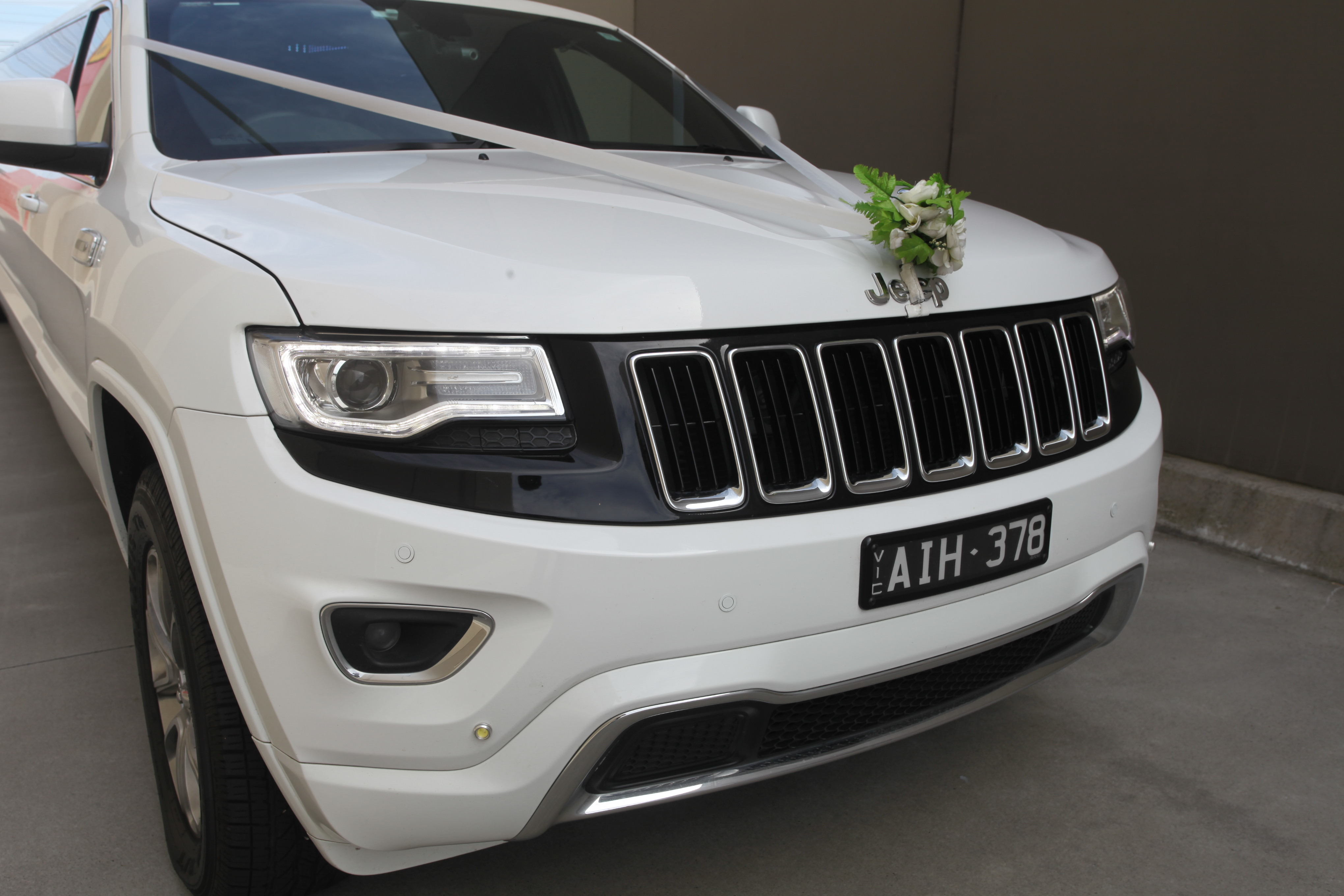 White Wedding Car Jeep Limousine Boss Limo Melbourne