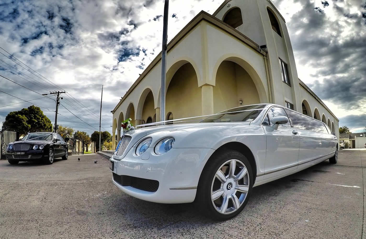 Bentley Limo Hire Melbourne Wedding Bride and Groom Special occasion Events